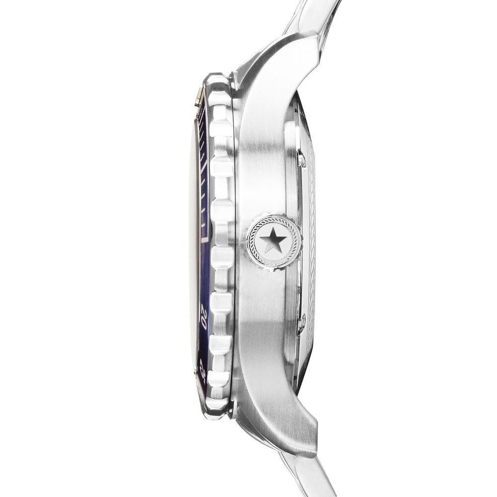 the stainless steel case on the men's diving watch