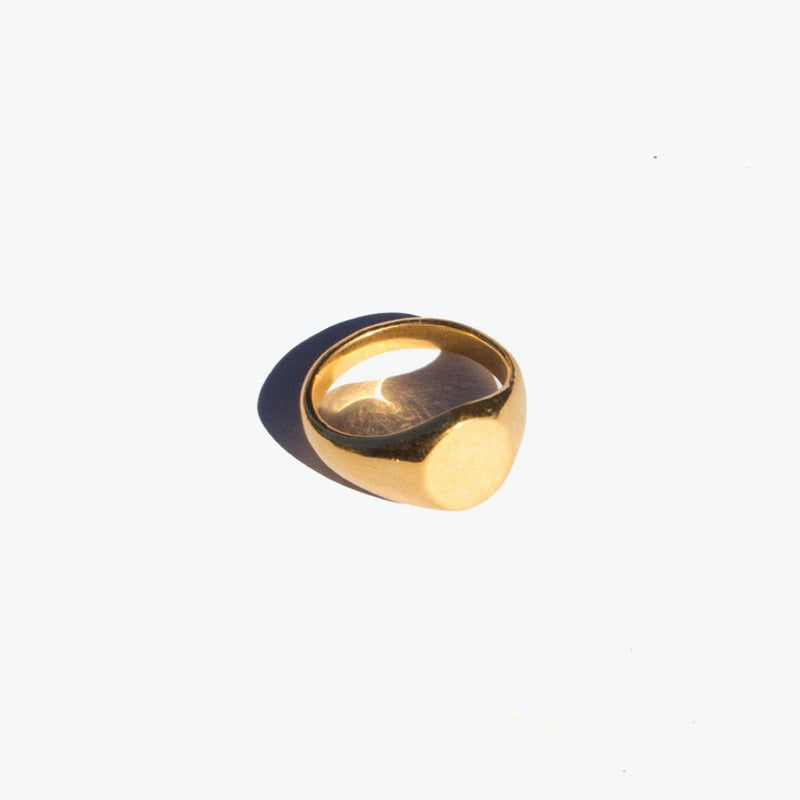 Classic Signet Ring Gold