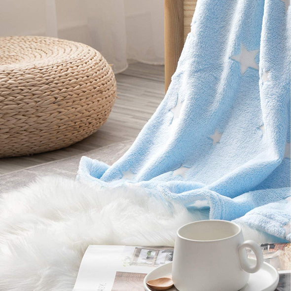 A  Soft Star Blue Throw Blanket  Can Glow in The Dark