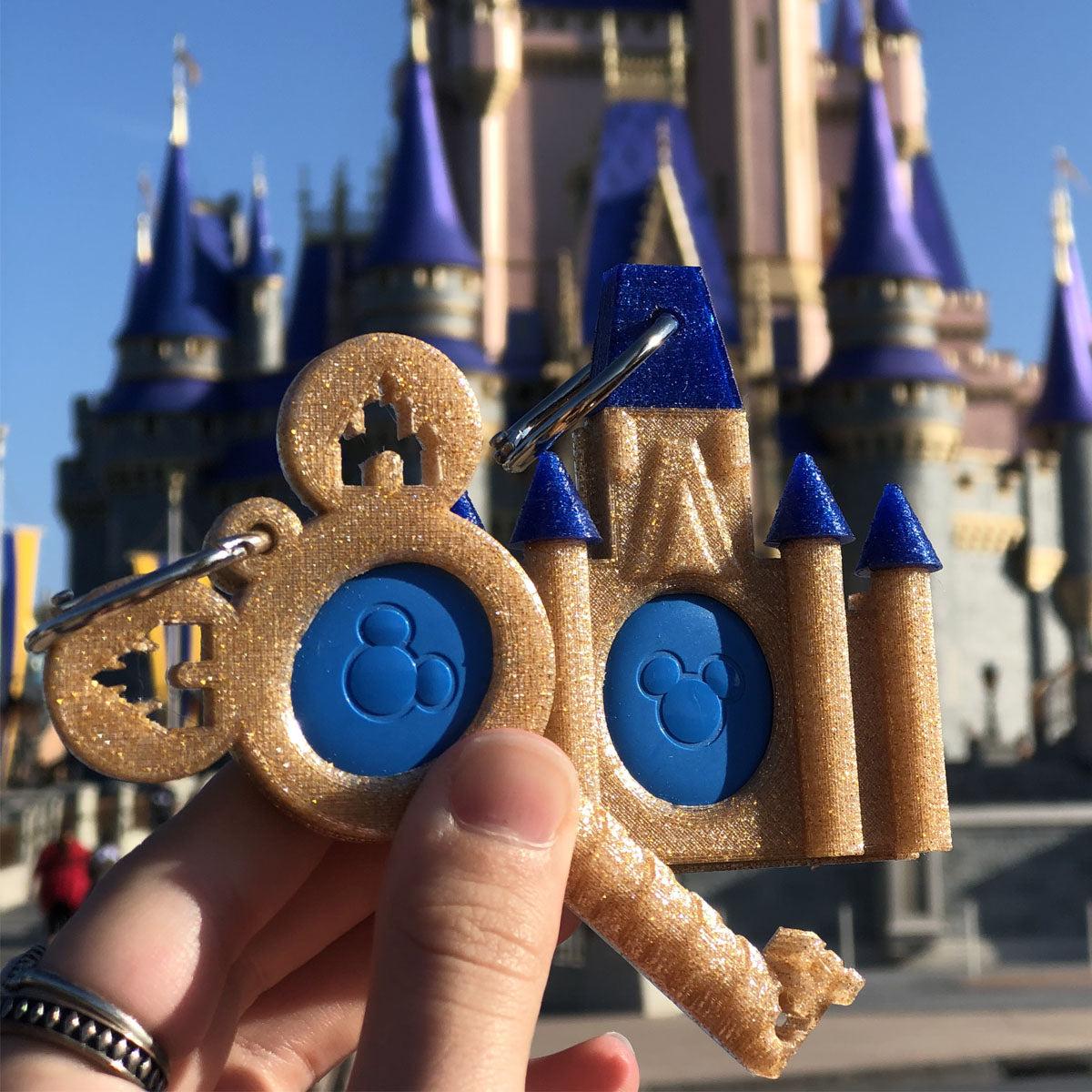 50th Anniversary Gold Key to the Kingdom Magic Band Buddy