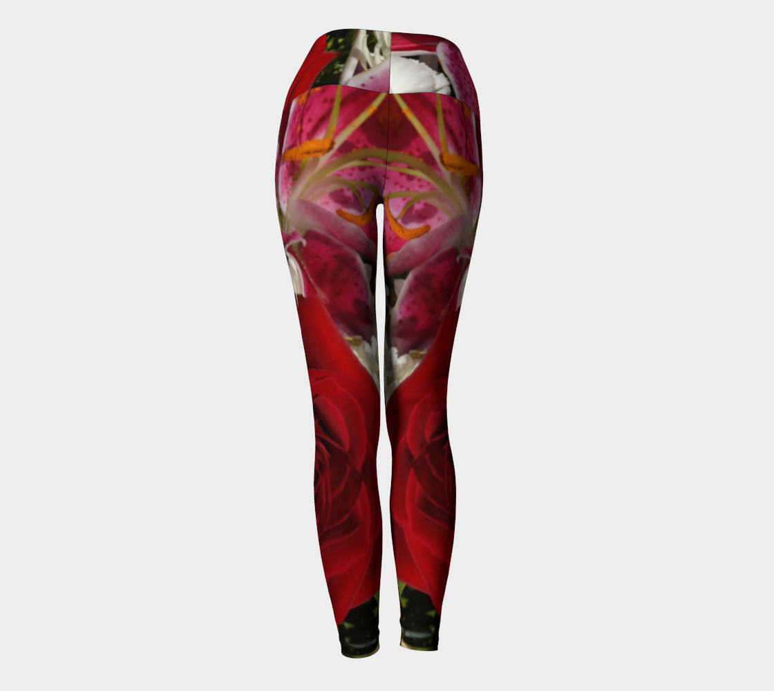 Red Rose Bouquet Yoga Pants