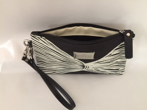 Ella Purse in black leather featuring Yerrgi by artist Kieren (Karritpul) McTaggart, Merrepen Arts
