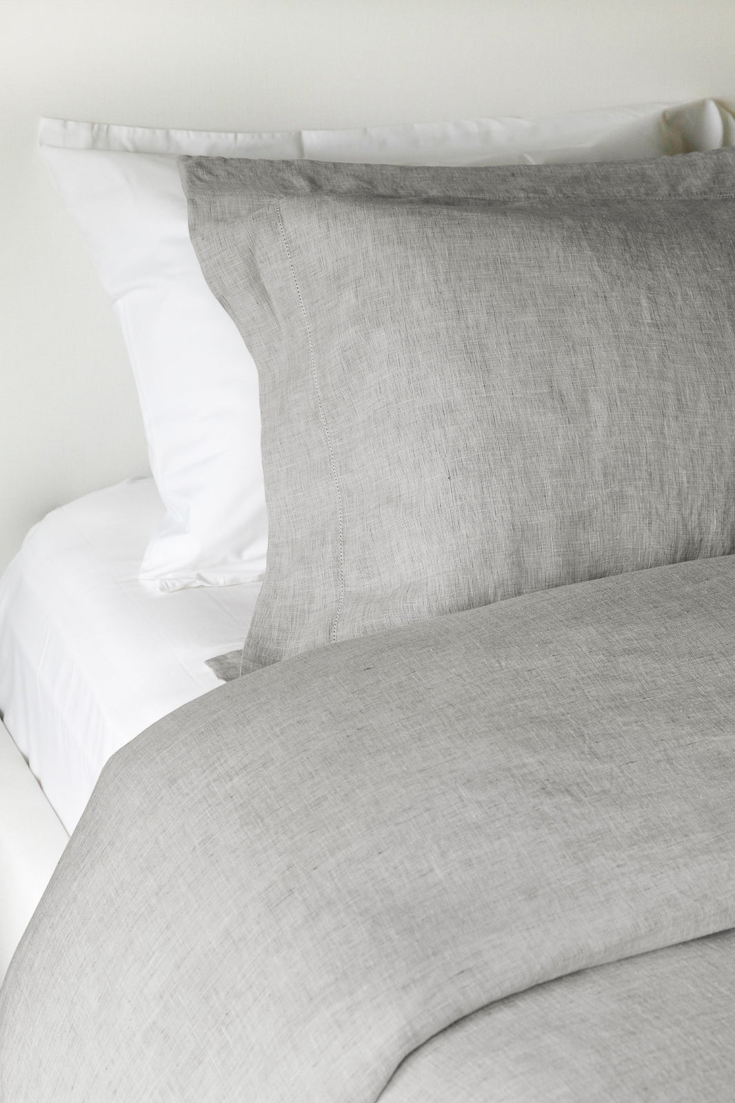 Hannah Linen Duvet Cover in Grey