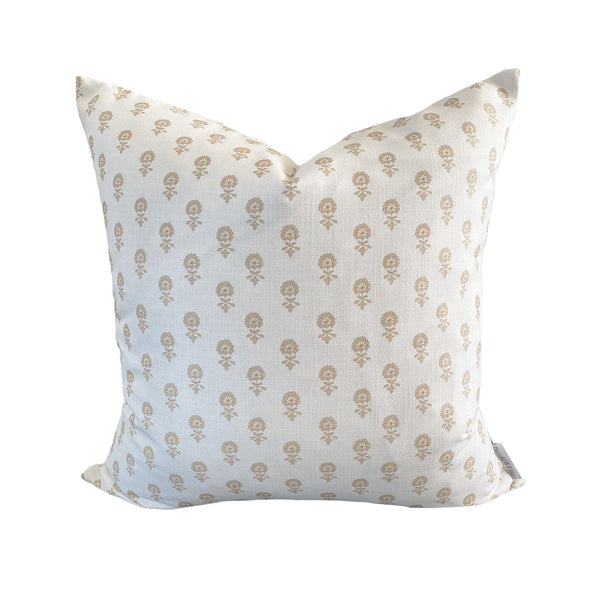 Lyla Pillow in Natural