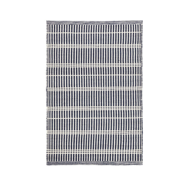 Ramon Stripe Indoor/Outdoor Rug in Navy