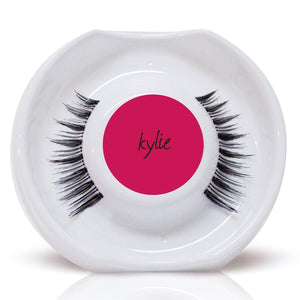 KYLIE Lashes 'Just a Girl…'