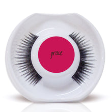 Load image into Gallery viewer, Travel Lash Duo - 1 Refillable Lash Compact, 1 Lash Refill (2 pairs of lashes total)