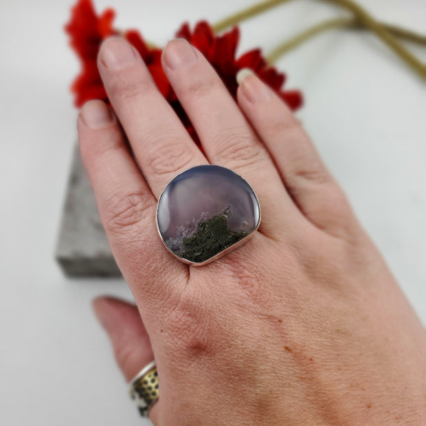 Purple Plume Agate Cocktail Ring Size 10 - WOOD BISON METAL