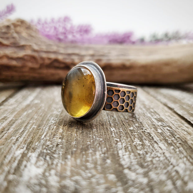 Honeybee Oval Ring Size 9.75 - WOOD BISON METAL