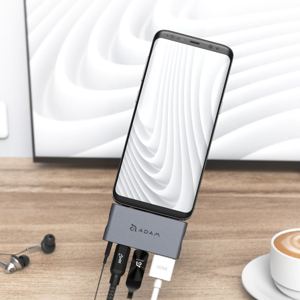 CASA Hub i4 USB-C Hub for iPad Pro