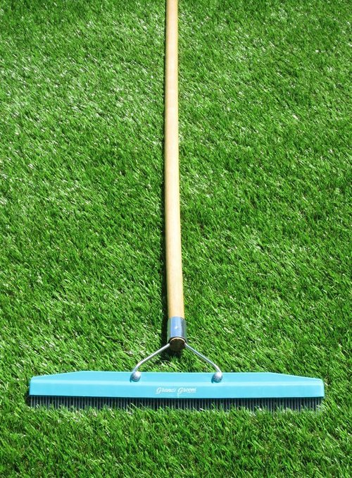 Outdoor Artificial Turf Grass Rug Cleaning Broom / Carpet Rake (18-Inch Head, 54-Inch Handle) Sweeper For Outdoor Carpet Products