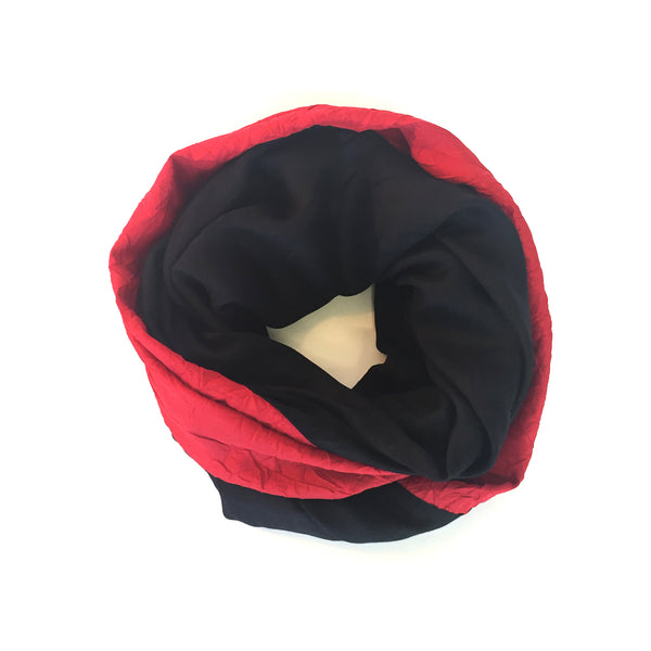 Mobius Scarf - Red Crinkle + Black