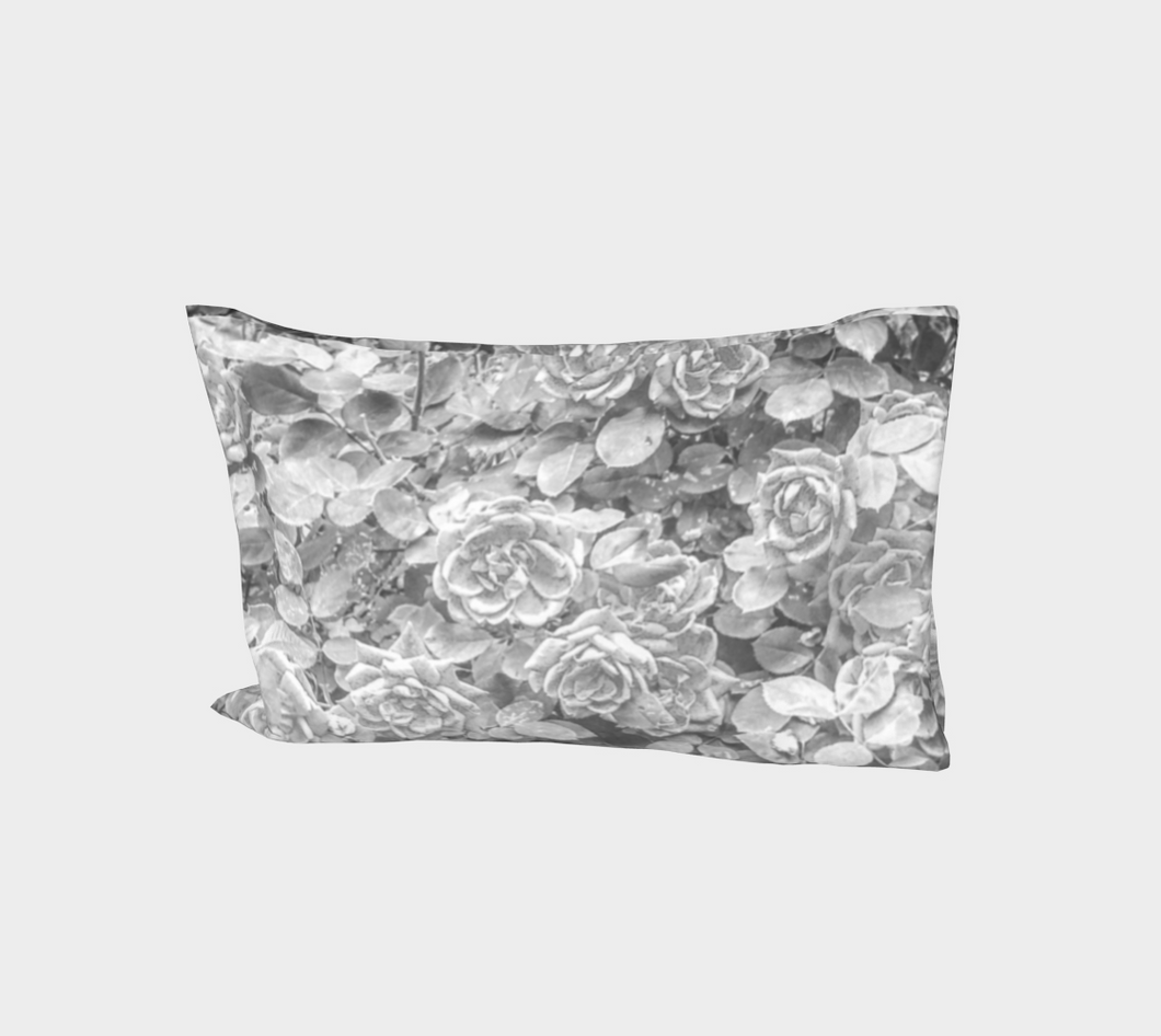 Rose en Noir et Blanc Bed Pillow Sleeve