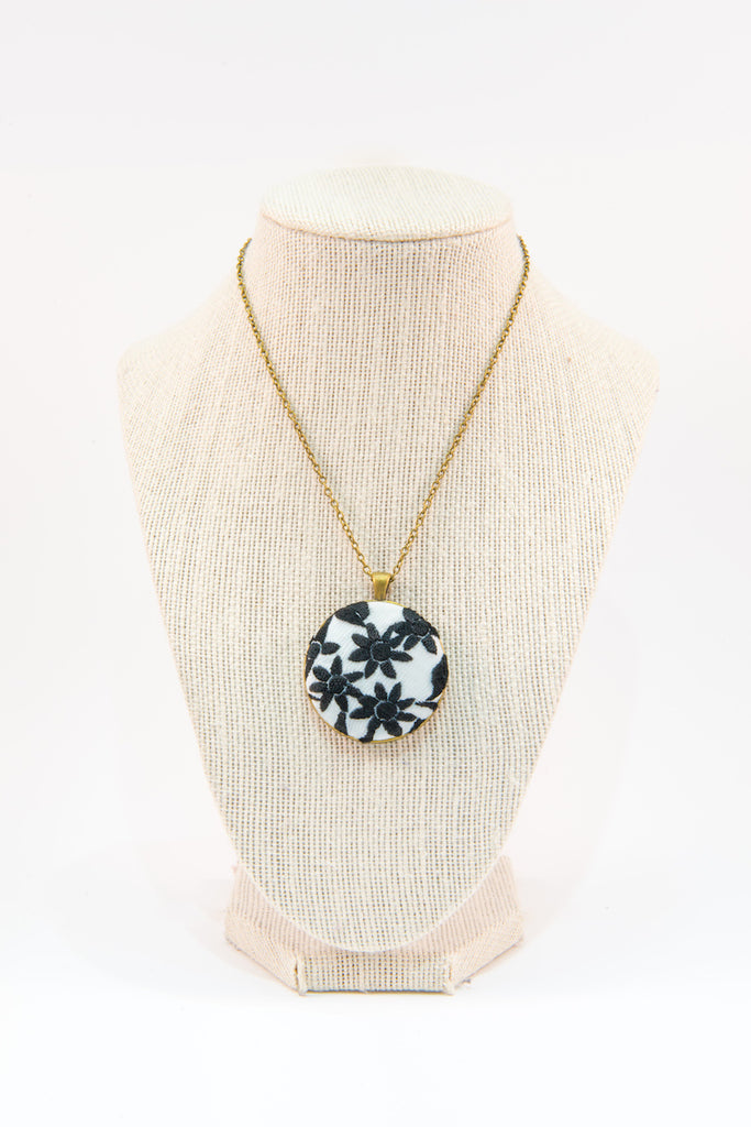 Black & white flowers fabric button necklace
