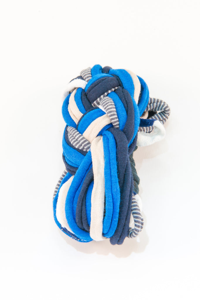 Colorful textile bracelet (shades of blue)