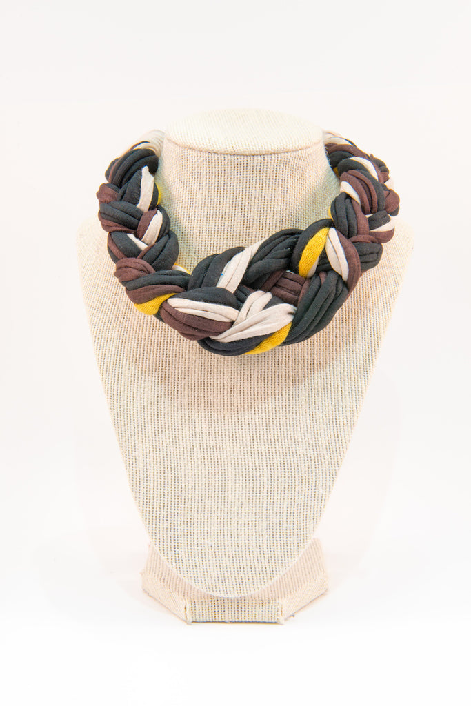 Colorful textile necklace (black & white)