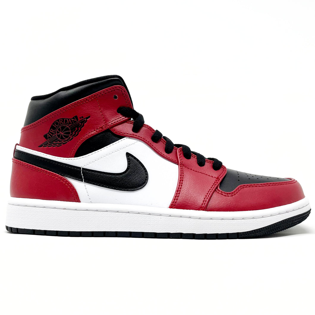 Air Jordan 1 Mid 'Chicago Black Toe' 554724 069