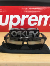 Load image into Gallery viewer, Oakley Kaws X Oakley Frogskins Sunglasses Black Crystal