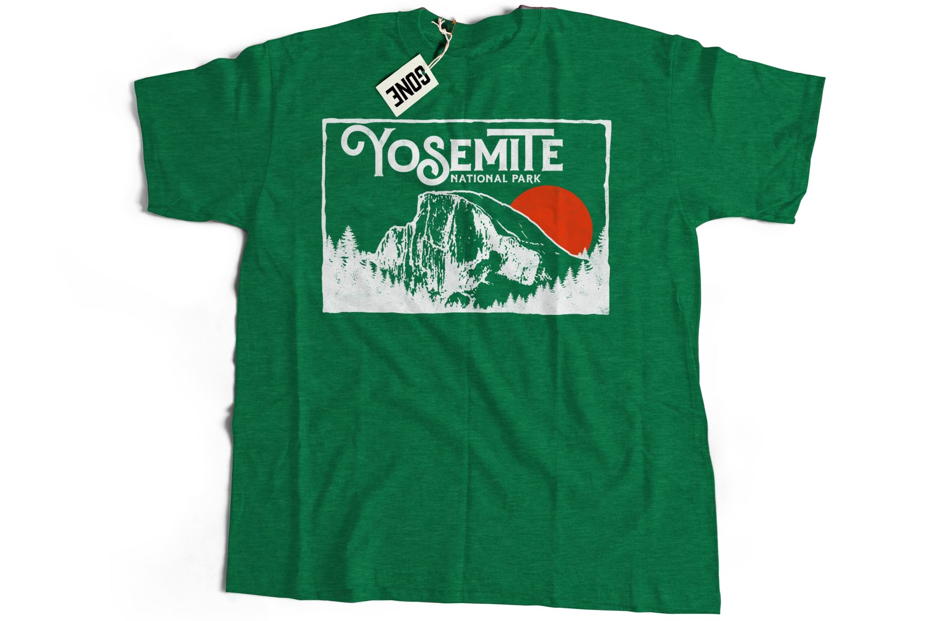 Retro Yosemite National Park Half Dome Vintage 80s Style Short-Sleeve Unisex T-Shirt