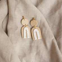 Load image into Gallery viewer, chamomile + speckled white francis earrings