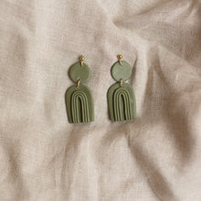 Load image into Gallery viewer, fern francis earrings