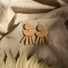 Load image into Gallery viewer, the clementine earrings in beige