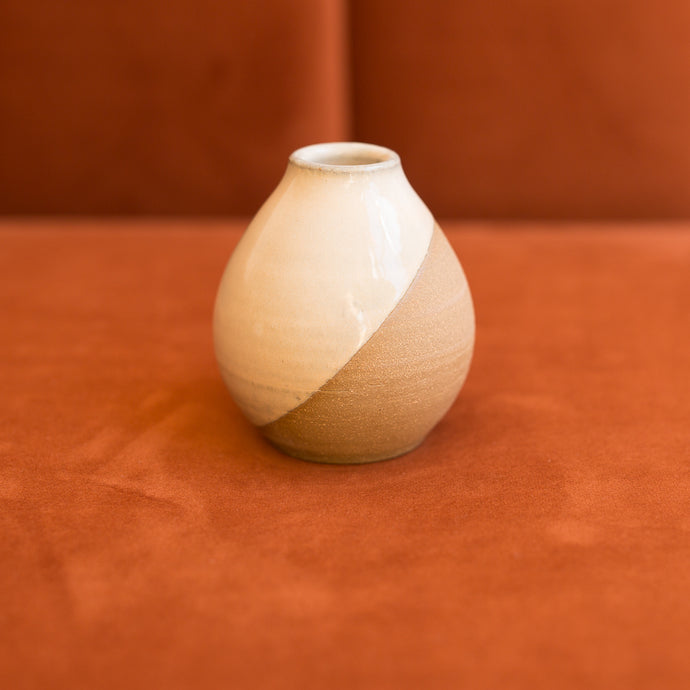 tapered bud vase in peach dew