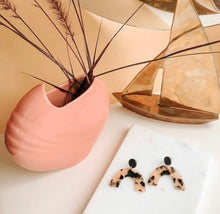 Load image into Gallery viewer, the leila earrings
