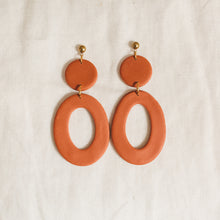 Load image into Gallery viewer, rust florence earrings