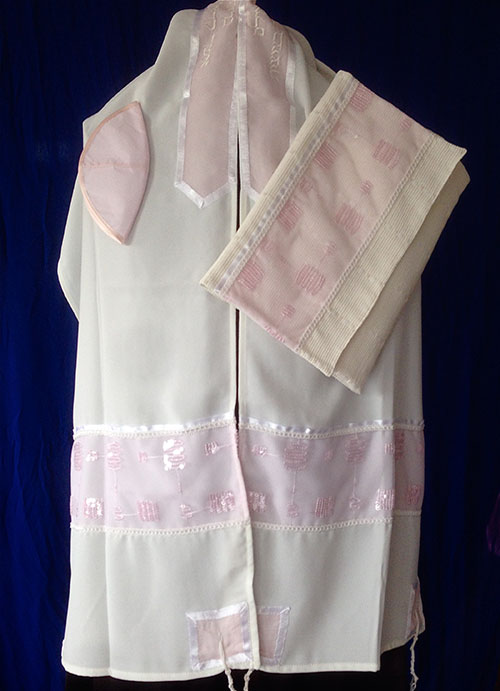Tallit ADE 16 - Soft Pink with Sequins
