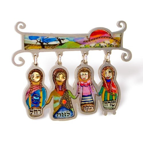 Seeka Pin-Four Matriarchs