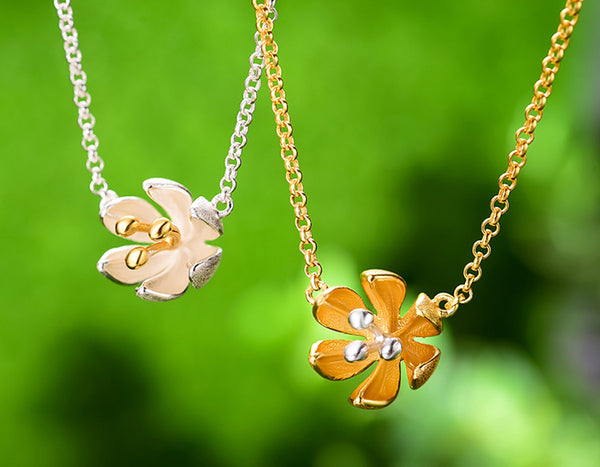 Fresh Blooming Flower Necklace