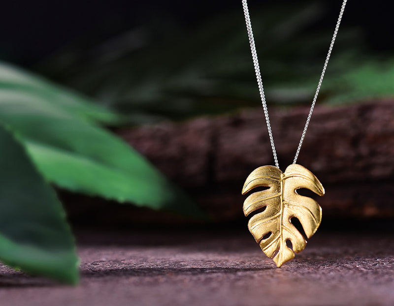 Gold Monstera Pendant - Lotus Fun
