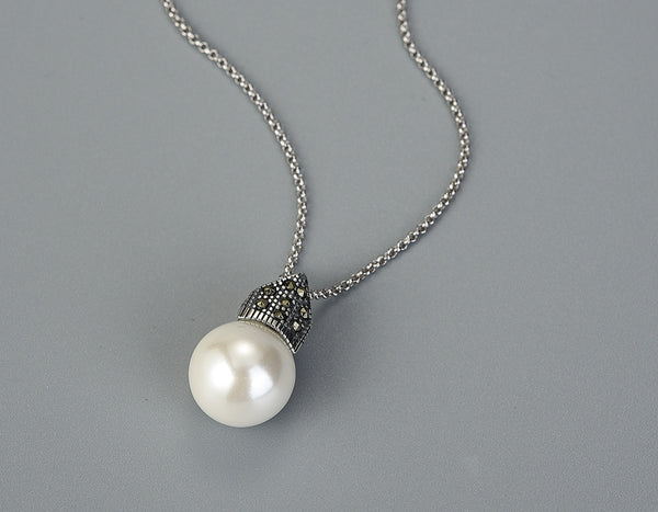 Studded Pearl Necklace Lotus Fun