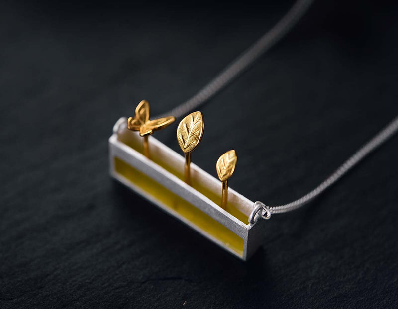 Serpentine Bar Necklace - Lotus Fun
