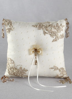Bella Donna Ring Pillow