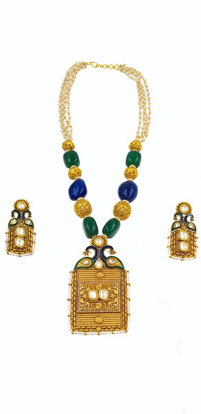 MATTE FINISH PEACOCK MOTIF AND SEMI PRECIOUS STONES NECKLACE SET