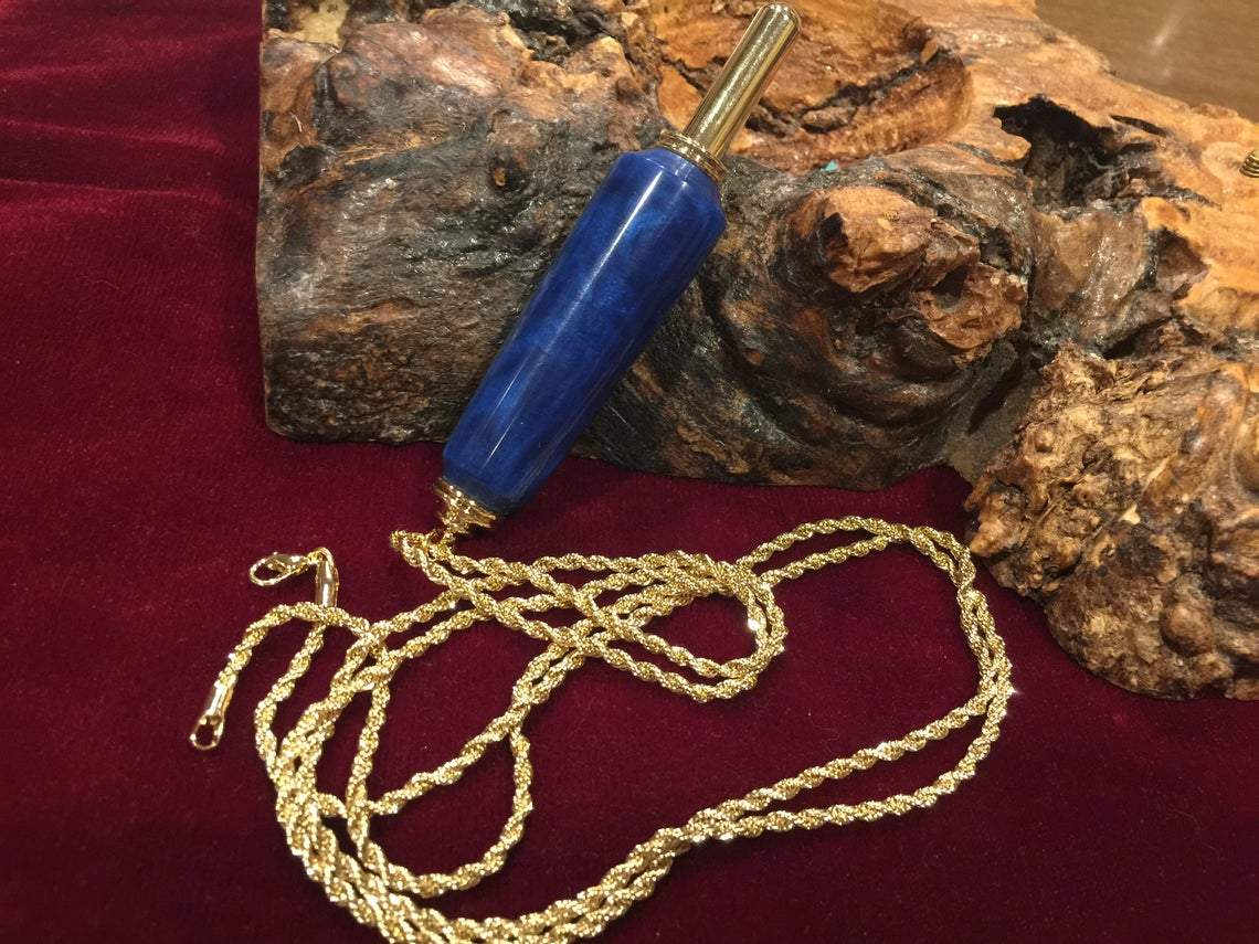 ❤️   ✂️ 😍 One of Kind Handmade Necklace Seam Ripper - Carved Nature
