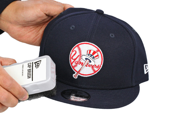 NEW ERA AUTHENTIC CAP BRUSH FOR DUSTING & CLEANING YOUR HAT