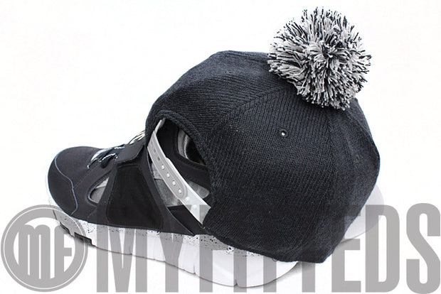 New York Yankees Bobble Game Navy Blue Grey White New Era Pom Knit Snapback