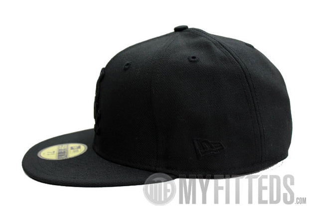 CHICAGO WHITE SOX Black on Black 59Fifty New Era Cap