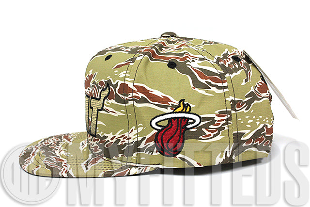 Miami Heat Tiger Stripe Camouflage Team Color Team Side Patch Mitchell & Ness Snapback Hat Cap
