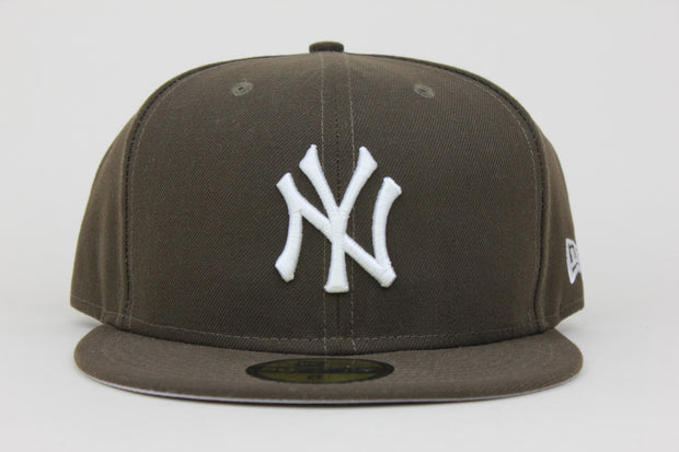 NEW YORK YANKEES WALNUT BROWN AIR JORDAN 1 CACTUS JACK TRAVIS SCOTT NEW ERA 59FIFTY FITTED HAT