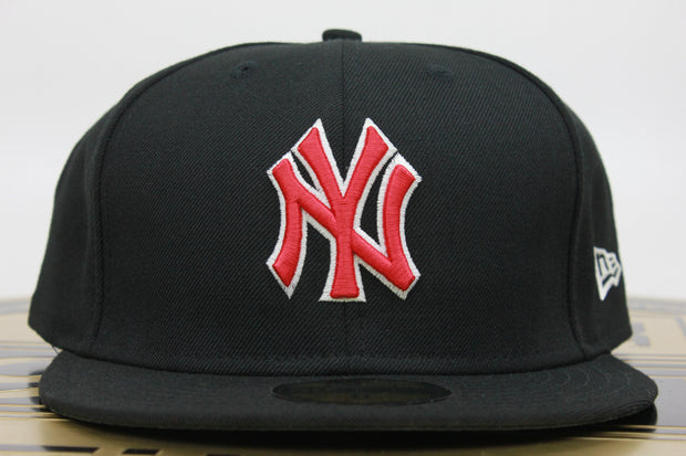 NEW YORK YANKEES AIR JORDAN 4 BRED NEW ERA 59FIFTY FITTED HAT