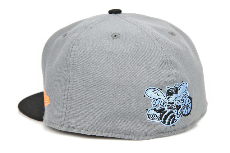 88871db72d4 ... sweden charlotte hornets 30 years air max 95 wolf grey safety orange new  era fitted cap