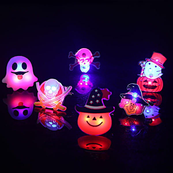2Pcs Kids Halloween LED Brooch Halloween Kids Party Supplies LED Flashing Light Brooch - Slabiti