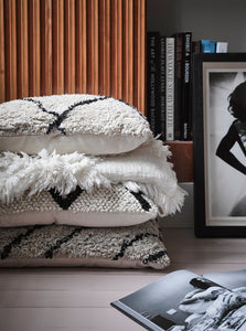 HK Living White Fringe Throw - DELIVERY WITHIN 3 WEEKS