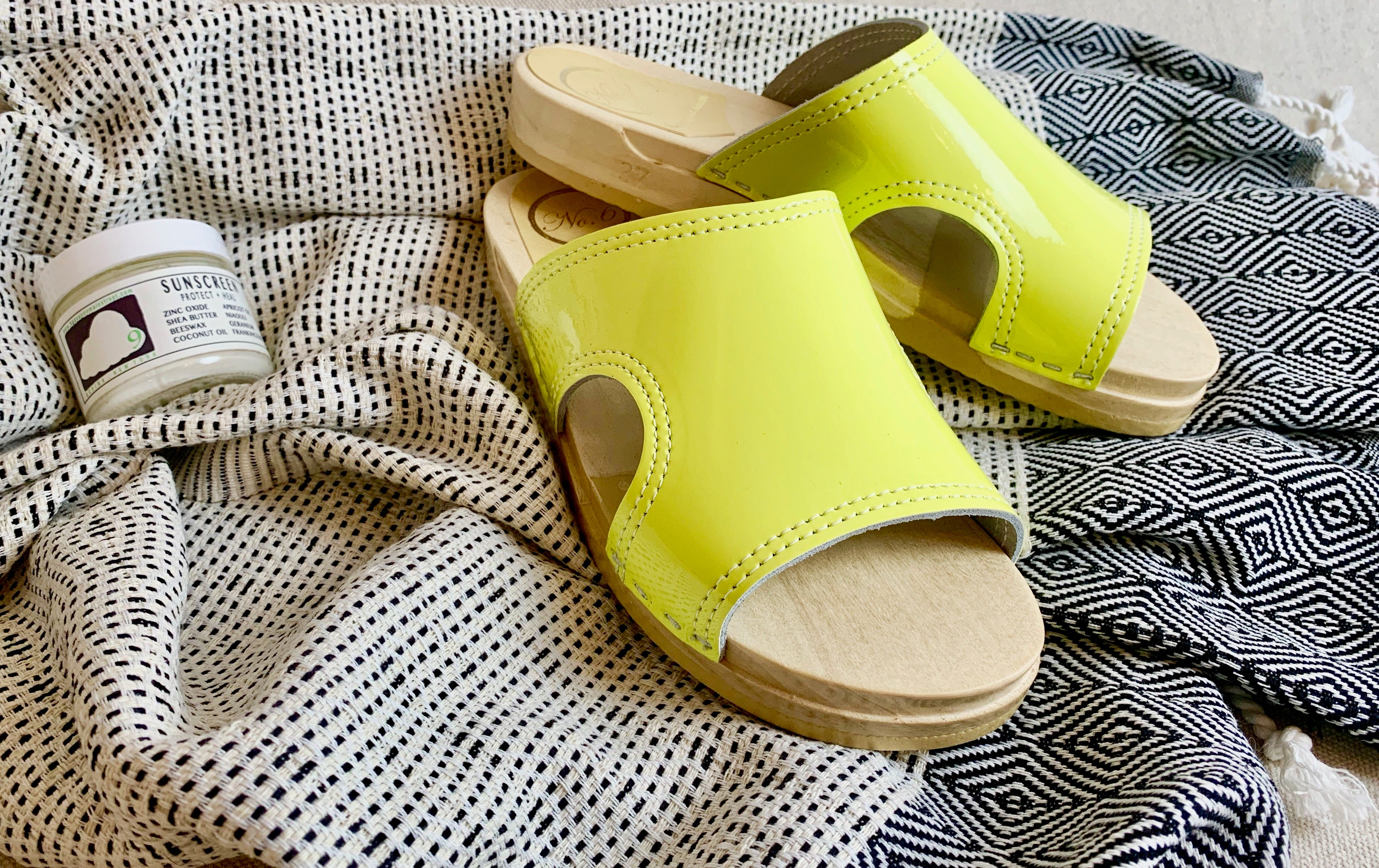No.6 Alexis Cut Out Side on Flat Base in Yellow Patent
