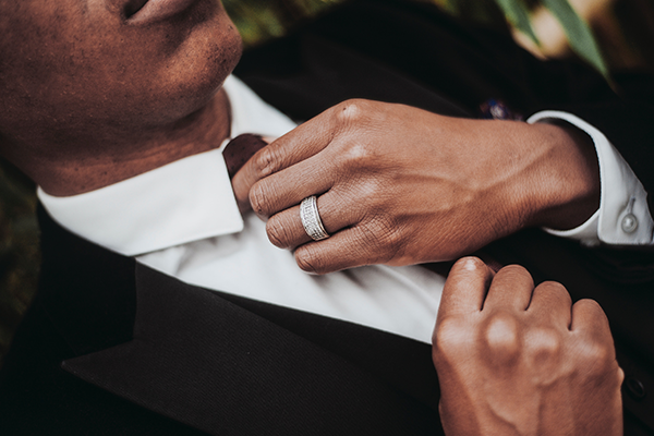 Advice for Grooms: Choosing The Ring