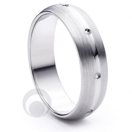 Platinum Wedding Ring Beso